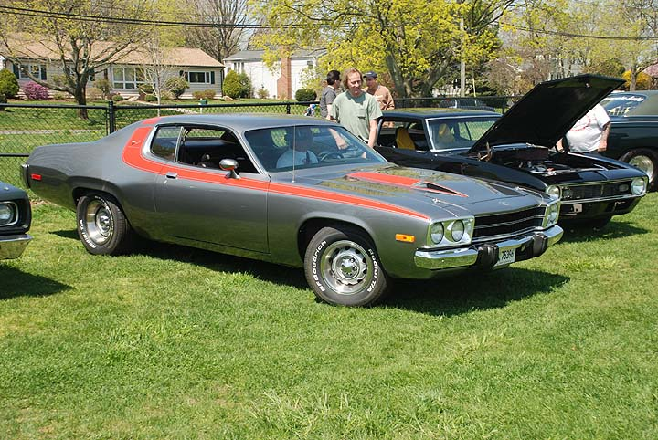 331859066262518393 moreover 315322411383549192 in addition 1973 Plymouth Road Runner 15 likewise Photos Plymouth Road Runner Convertible 1970 110273 further Dodge Daytona Superbird Classic Car Classic. on plymouth road runner